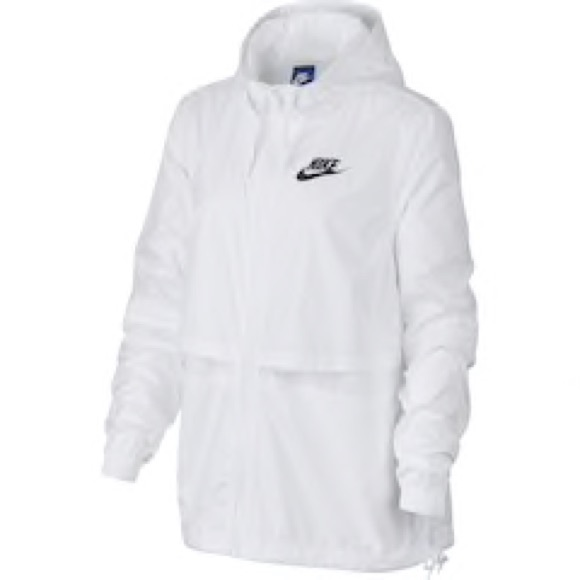 bb0836607cd2 Woman s Nike Sportswear Windbreaker Woven Jacket. M 5c7da9139fe48666bc58dfd1